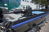 Polep rybářského člunu: černá kamofolie na boky a vnitřní části lodě + ochranná transparentní folie na boky